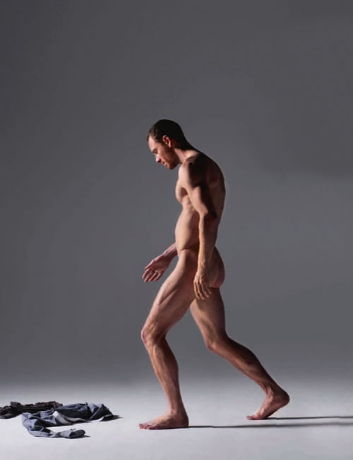 michael-fassbender-naked-caveman